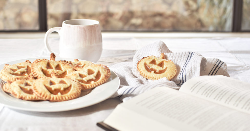harry-potter-inspired-pumpkin-pasties-recipe-out-of-the-bex-SOCIAL FEATURE